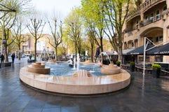 30 Amsterdam-APRIL: Fontain voor het Amerikaanse die Hotel, plaatselijk als het Hotel Americain op 30,2015 April, Nederland wordt Stock Fotografie