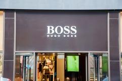 30 Amsterdam-APRIL: Hugo Boss-uithangbord op P C Hooftstraat het winkelen straat op 30,2015 April Nederland Royalty-vrije Stock Foto's