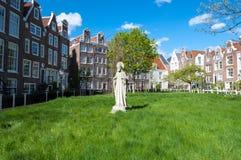 30 Amsterdam-april: Middeleeuwse Begijnhof in het hart van Amsterdam op 30,2015 April Stock Foto