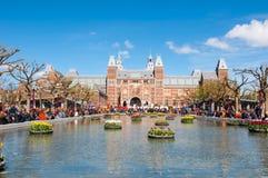 27 Amsterdam-APRIL: Rijksmuseum tijdens de Dag van de Koning op 27 April, 2015 Stock Afbeelding