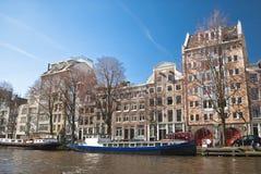 Amsterdam-Atmosphäre von der Bootsansicht Stockfotos