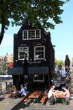 Amsterdam bar, Nederländerna Royaltyfria Bilder