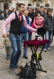 Amsterdam bietet jedem Sommerviel preiswerte Unterhaltung, spezielle Leistungen, Festivals, Kulturveranstaltung und Straßenausfüh Lizenzfreie Stockbilder