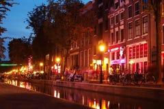 Amsterdam bij nacht Stock Afbeelding