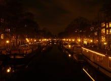 Amsterdam bis zum Nacht Stockfoto