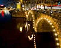 Amsterdam bis zum Nacht Stockfotografie
