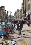 Amsterdam: Calle de la presa Fotografía de archivo libre de regalías
