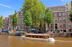 Amsterdam - Canals and typical dutch houses Royalty Free Stock Photos