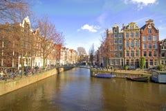 amsterdam citycenter houses medeltida nether Arkivbilder