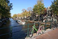 amsterdam cykel fotografering för bildbyråer