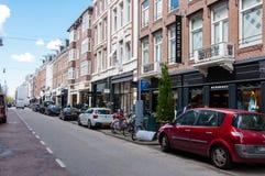 AMSTERDAM 30 DE ABRIL: El P C Calle con las marcas más grandes de los world's, ropa de lujo de la moda de Hooftstraat el 30 de  Fotografía de archivo
