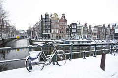 Amsterdam in de winter in Nederland Stock Fotografie