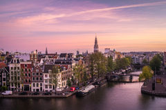 Amsterdam an der Dämmerung lizenzfreie stockfotos