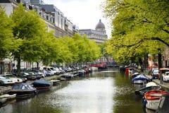 AMSTERDAM; DIE NIEDERLANDE - 18. AUGUST; 2015: Ansicht über Leidseplei lizenzfreie stockfotos