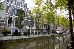 AMSTERDAM; DIE NIEDERLANDE - 18. AUGUST; 2015: Ansicht über schönes Stockbild