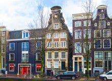 Amsterdam, die Niederlande - 14. Dezember 2017: Die Gebäude von Amsterdam-Stadt Stockbild