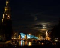 Amsterdam door maanlicht Royalty-vrije Stock Afbeelding