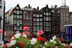Amsterdam est la ville parfaite pour le recyclage, les longues promenades et obtenir perdu autour des canaux photographie stock libre de droits