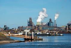amsterdam fabriker nära Arkivbilder