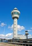Amsterdam-Flughafenkontrollturm Lizenzfreie Stockfotos