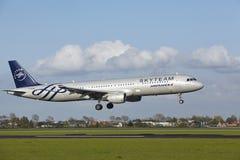 Amsterdam flygplats Schiphol - A321 av Air France (Skyteam livré) landar Royaltyfri Fotografi
