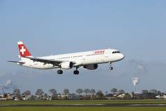 Amsterdam flygplats Schiphol - A321 av schweiziska länder Royaltyfria Bilder