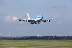 Amsterdam flygplats Schiphol - KLM Boeing 747 landar Fotografering för Bildbyråer