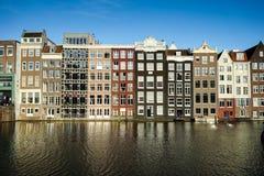 Amsterdam historiska byggnader Arkivbild
