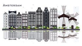 Amsterdam Holandia miasta linia horyzontu z Szarymi budynkami Odizolowywającymi na W Obrazy Royalty Free