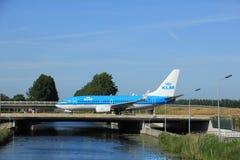 Amsterdam holandie - Czerwiec 9th 2016: PH-BGR KLM Królewski Dutc Obraz Stock