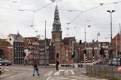 AMSTERDAM, holandie - CZERWIEC 25, 2017: Widok dzwonnicy wierza XVI wiek na Oude Kerk kościół Obrazy Royalty Free