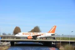 Amsterdam holandie - Marzec 25th, 2017: G-EZMK easyJet Aerobus Obrazy Stock