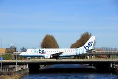 Amsterdam holandie - Marzec 25th, 2017: G-FBJG Flybe Embraer Obrazy Stock