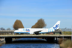 Amsterdam holandie - Marzec 25th, 2017: G-FBJG Flybe Embraer Zdjęcia Stock