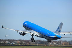 Amsterdam holandie - Marzec 25th, 2017: PH-AKA KLM Royal Dutch linie lotnicze Obrazy Stock