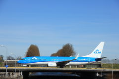Amsterdam holandie - Marzec 25th, 2017: PH-BGC KLM Boeing 737-800 Zdjęcia Royalty Free