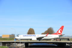Amsterdam holandie - Marzec 25th, 2017: TC-JGR Turkish Airlines Boeing Zdjęcie Stock