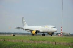Amsterdam holandie - Sierpień 10 2015: EC-JTR Vueling Airb Zdjęcie Stock