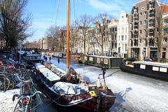 amsterdam holland pittoresk wintertime Royaltyfria Bilder