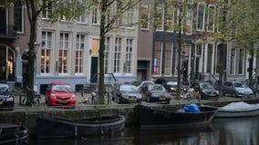 Amsterdam, Hollandes 15 octobre 2017 Canal d'Amsterdam dans des couleurs de chute banque de vidéos