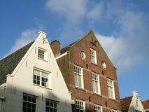 Amsterdam huisvest voorzijde stock foto's