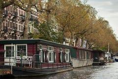 Amsterdam husbåtar Royaltyfri Bild