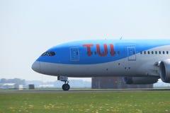 Amsterdam i Paesi Bassi - 22 aprile 2019: PH-TFL TUI Airlines Netherlands Boeing 787 fotografia stock