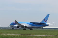 Amsterdam i Paesi Bassi - 22 aprile 2019: PH-TFL TUI Airlines Netherlands Boeing 787 immagine stock libera da diritti