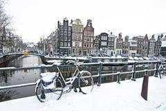 Amsterdam i vinter i Nederländerna Arkivbild