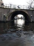 Amsterdam kanały w zimie zdjęcia stock