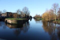 amsterdam kanal s Arkivfoto