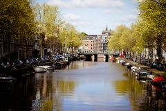 Amsterdam kanal Scape arkivfoto