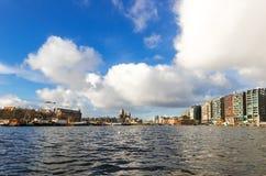 Amsterdam kanaler, broar och hus Royaltyfria Foton