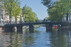 Amsterdam kanaler, Nederländerna Arkivfoton